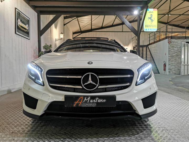 Mercedes Classe GLA 250 AMG LINE 4MATIC 7G-DCT Blanc - 3