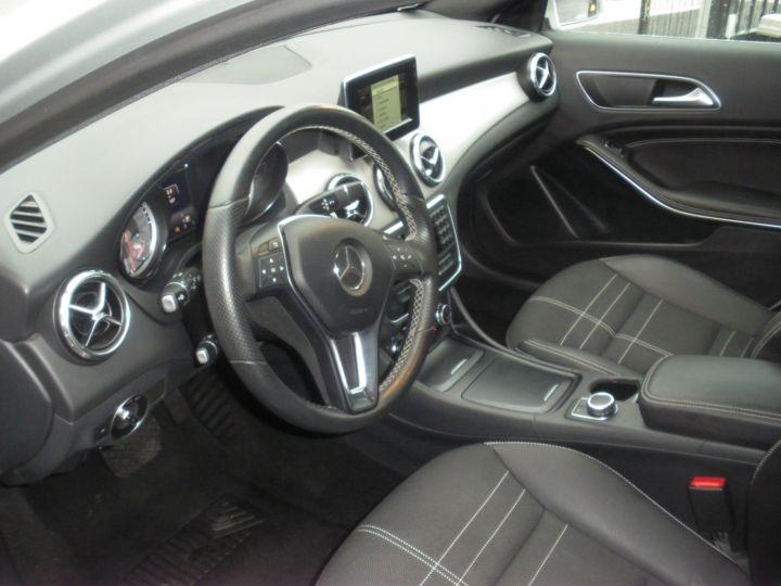 Mercedes Classe GLA BUSINESS EXECUTIVE Gris - 3