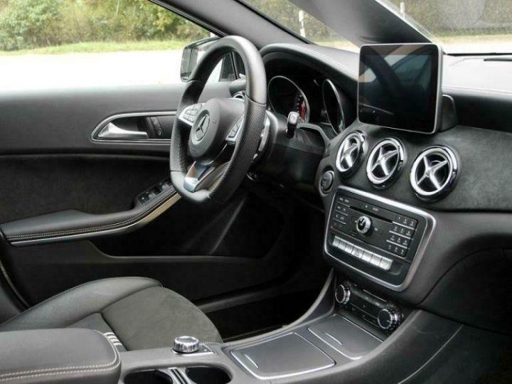 Mercedes Classe GLA # GLA 220 d Sport # Ligne AMG/Harman # 177cv # Blanc - 6