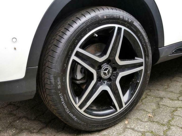 Mercedes Classe GLA # GLA 220 d Sport # Ligne AMG/Harman # 177cv # Blanc - 7