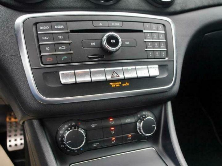 Mercedes Classe GLA # GLA 220 d Sport # Ligne AMG/Harman # 177cv # Blanc - 10
