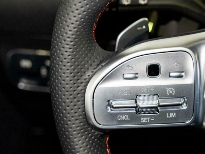Mercedes Classe GLA Mercedes-Benz GLA 250e Hybride AMG 8cv (160ch) Gris Foncé - 12