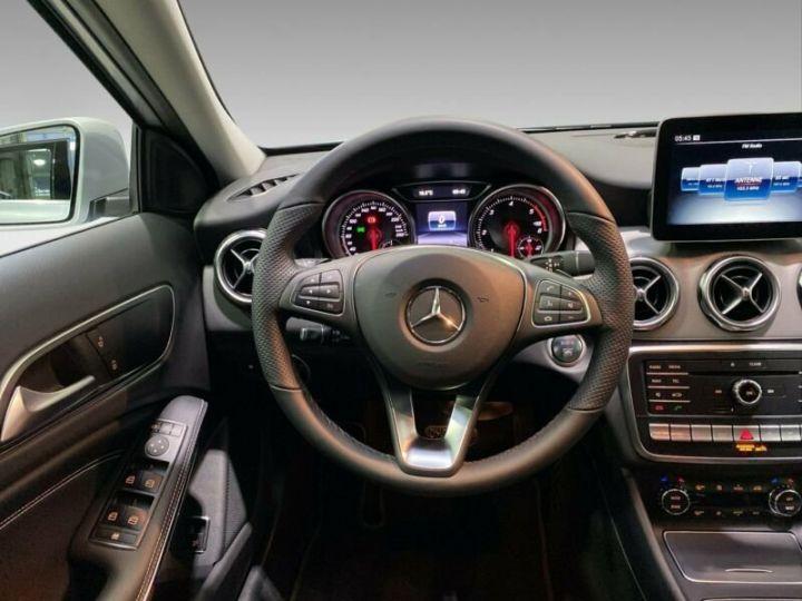 Mercedes Classe GLA Mercedes Classe GLA 220d / 1ere Main / 8500Kms  Argenté Peinture métallisée - 6