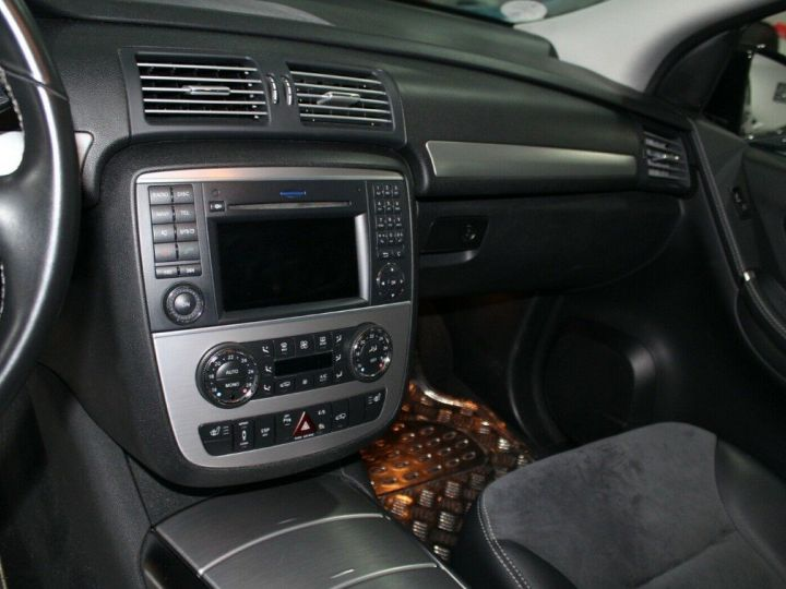 Mercedes Classe R Classe R 300 CDI 190 Toit panoramique/6 places noir métal - 6