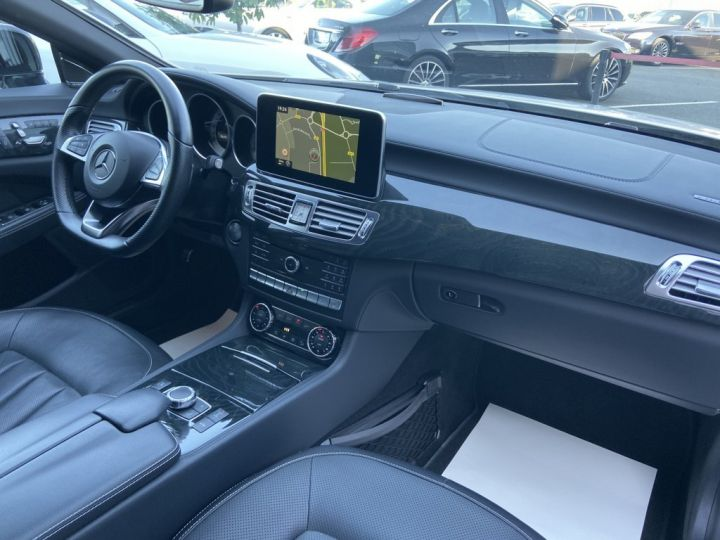 Mercedes CLS Shooting Brake 350 D FASCINATION PACK AMG 258ch 9G-TRONIC BLANC NACRE - 13