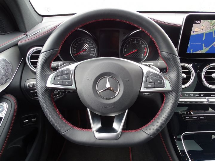 Mercedes GLC Blanc Diamant Metal - 11