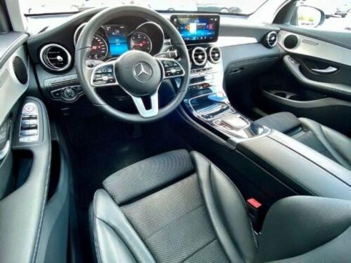 Mercedes GLC 200 d 4Matic / GPS / Contrôle automatique de la pression des pneus / Toit ouvrant/ Phare LED / Caméra / Garantie 12 mois  Noir métallisée  - 5