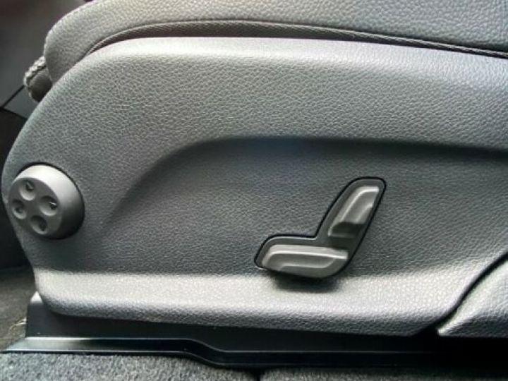 Mercedes GLC 200 d 4Matic / GPS / Contrôle automatique de la pression des pneus / Toit ouvrant/ Phare LED / Caméra / Garantie 12 mois  Noir métallisée  - 8