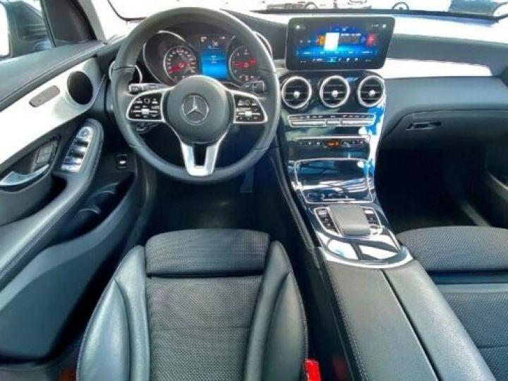 Mercedes GLC 200 d 4Matic / GPS / Contrôle automatique de la pression des pneus / Toit ouvrant/ Phare LED / Caméra / Garantie 12 mois  Noir métallisée  - 9
