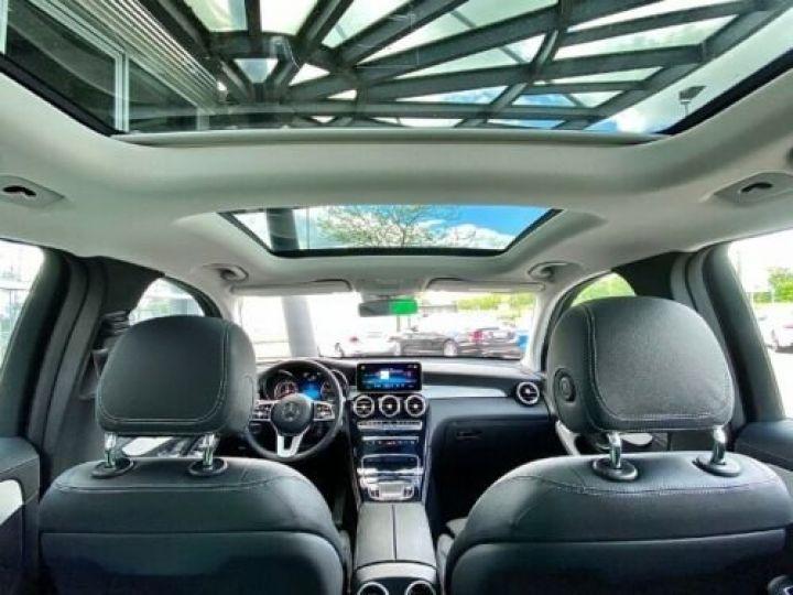 Mercedes GLC 200 d 4Matic / GPS / Contrôle automatique de la pression des pneus / Toit ouvrant/ Phare LED / Caméra / Garantie 12 mois  Noir métallisée  - 10