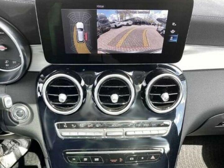 Mercedes GLC 200 d 4Matic / GPS / Contrôle automatique de la pression des pneus / Toit ouvrant/ Phare LED / Caméra / Garantie 12 mois  Noir métallisée  - 11