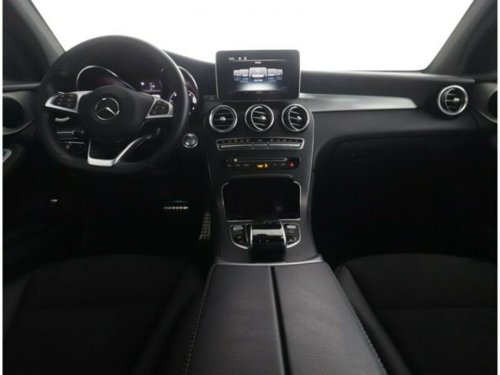 Mercedes GLC 250 d 4Matic / Affichage tête haute / GPS / Bluetooth / Toit panoramique /Garantie 12 mois Noir métallisée  - 9