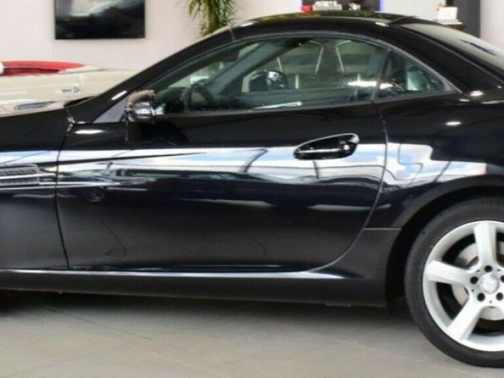 Mercedes SLC 200 Roadster  9G-TRONIC 05/2016 noir métal - 2