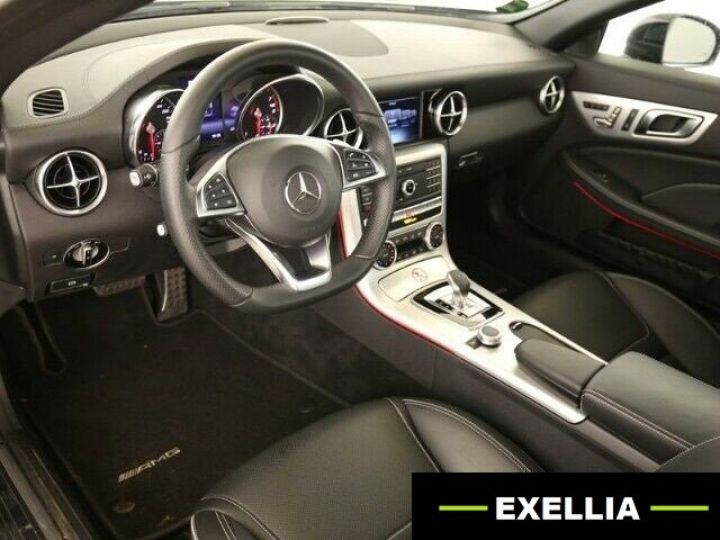 Mercedes SLC Mercedes-Benz SLC 200 AMG Line LED COMAND Magic Sky Distronic NOIRE PEINTURE METALISEE  Occasion - 4