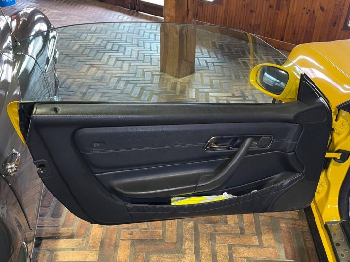 Mercedes SLK 200 (R170) Jaune ferrari - 8