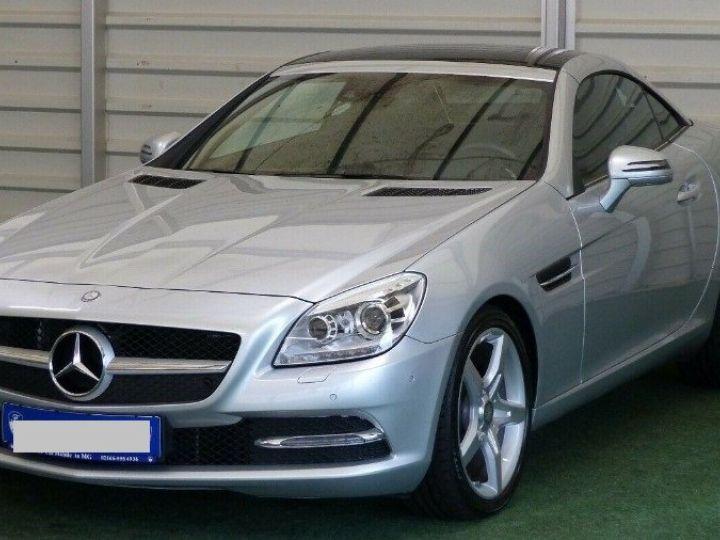Mercedes SLK  250 d 9G-Tronic 204 / 06/2016 gris  métal - 1