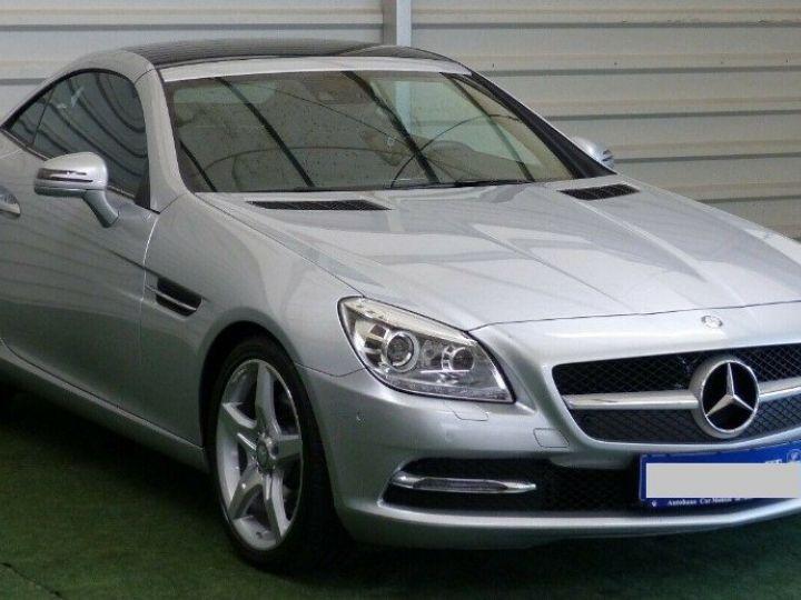 Mercedes SLK  250 d 9G-Tronic 204 / 06/2016 gris  métal - 2