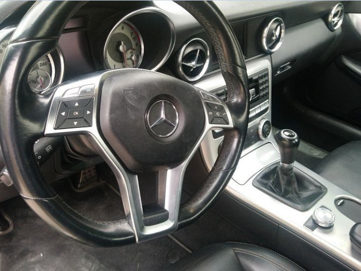 Mercedes SLK  III 200 184 BLUEEFFICIENCY boite manuelle/06/2011 noir métal - 9