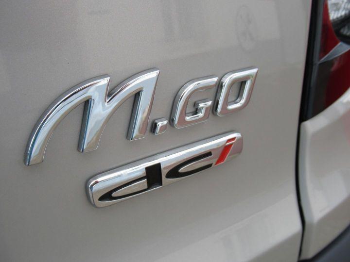 Microcar MGO X DCI Gris Desert - 11