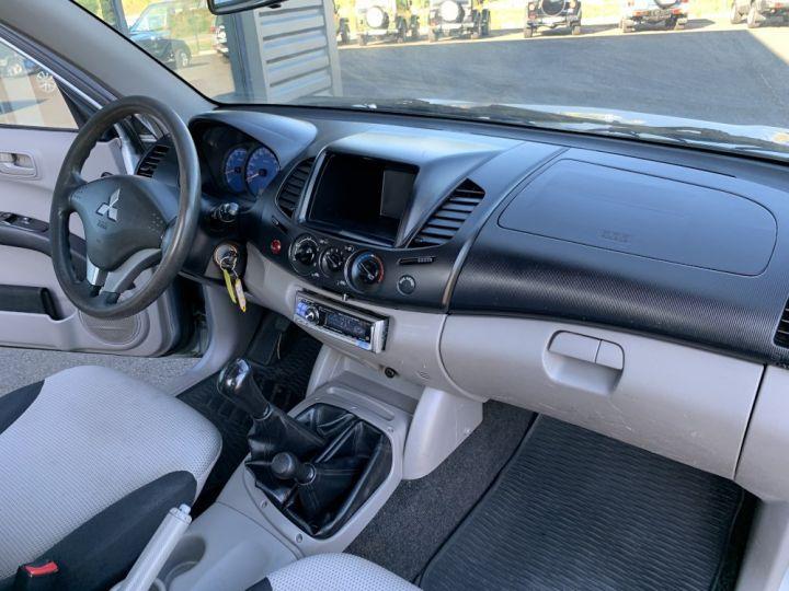 Mitsubishi L200 2.5 DID 136 CV Simple cabine Invite Gris clair - 5