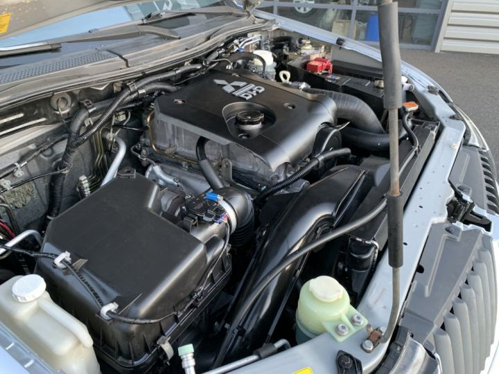 Mitsubishi L200 Double cabine 2.5 L DID 136 CV Intense Gris clair - 14