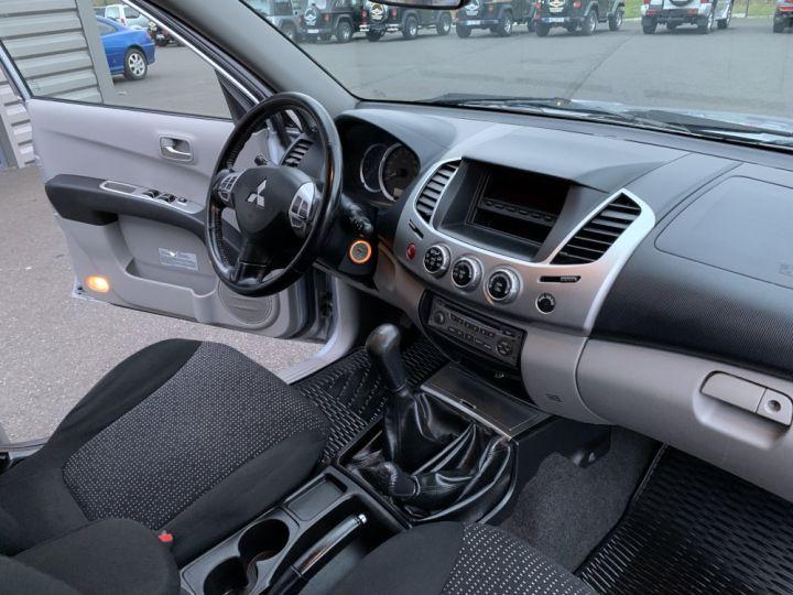 Mitsubishi L200 Double cabine 2.5 L DID 178 CV Intense Gris clair - 15