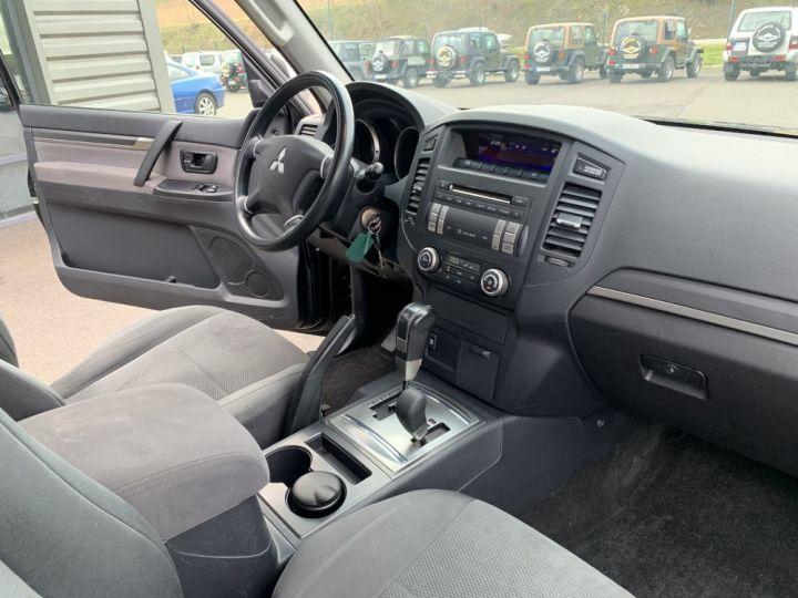 Mitsubishi PAJERO 3.2 DID 170 CV Boite Auto Invite Noir - 9