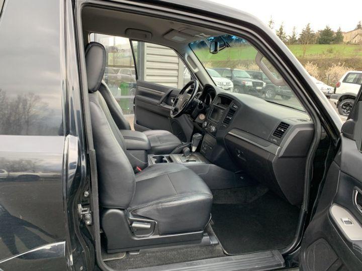 Mitsubishi PAJERO 3.8 L V6 Essence GDI 248 CV Instyle BVA Noir - 9