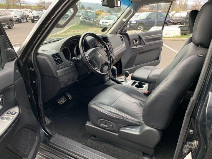 Mitsubishi PAJERO 3.8 L V6 Essence GDI 248 CV Instyle BVA Noir - 12