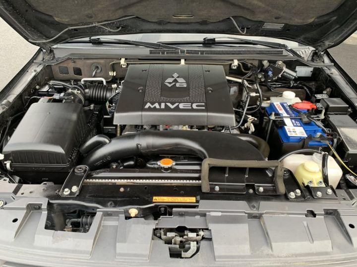 Mitsubishi PAJERO 3.8 L V6 Essence GDI 250 CV Long Instyle BVA Noir - 8