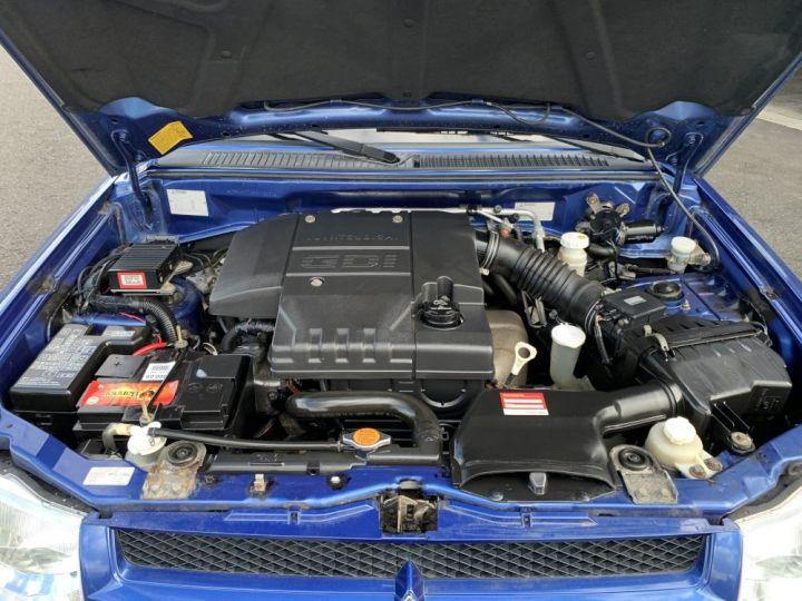 Mitsubishi PAJERO PININ 2 L DGI Essence 5 portes 129 CV Bleu - 9