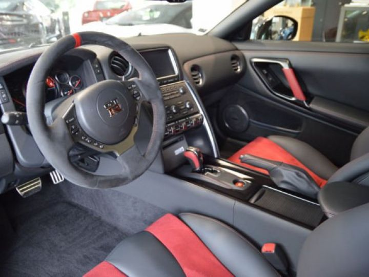 Nissan GT-R Nismo noir - 5
