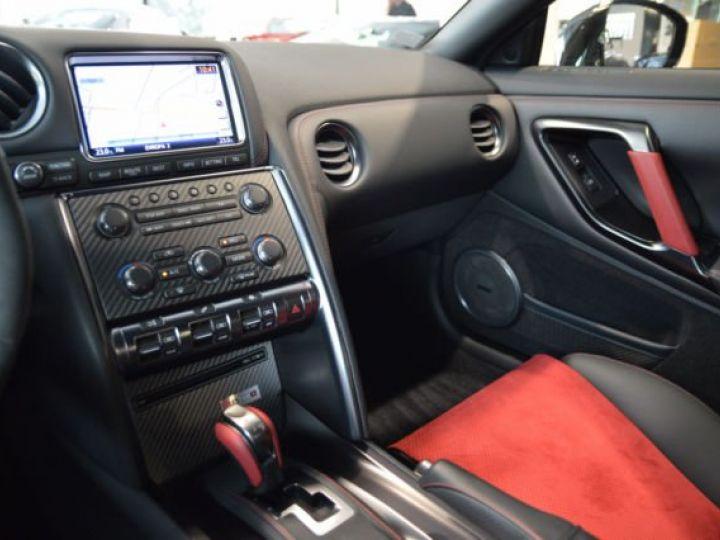 Nissan GT-R Nismo noir - 12
