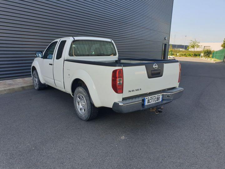 Nissan NAVARA 2 cab 2.5dci 190 4x4 Blanc Occasion - 16
