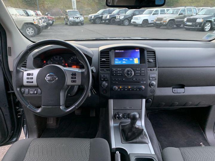 Nissan NAVARA Double cabine 2.5 DCI 190 CV Gris Foncé - 16