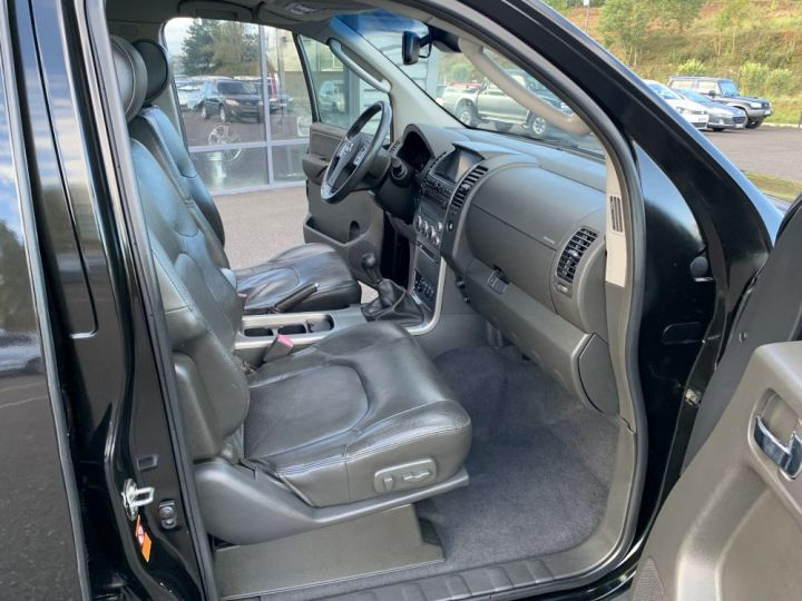Nissan Pathfinder 2.5 DCI 174 CV Elegance Noir - 15