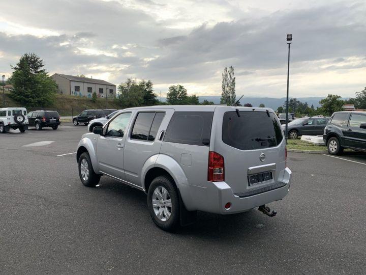 Nissan PATHFINDER 2.5 L DCI 174 CV Confort Gris clair - 5