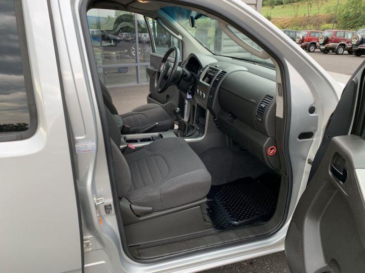 Nissan PATHFINDER 2.5 L DCI 174 CV Confort Gris clair - 9