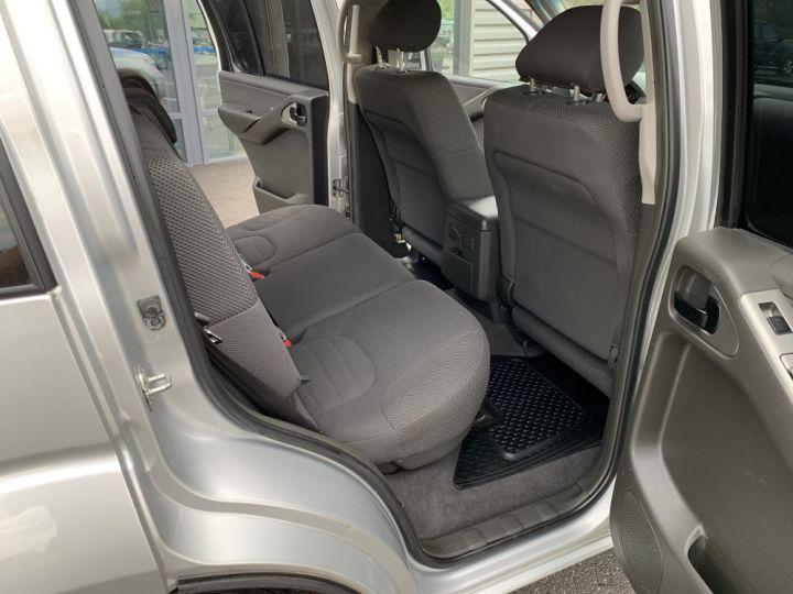 Nissan PATHFINDER 2.5 L DCI 174 CV Confort Gris clair - 11