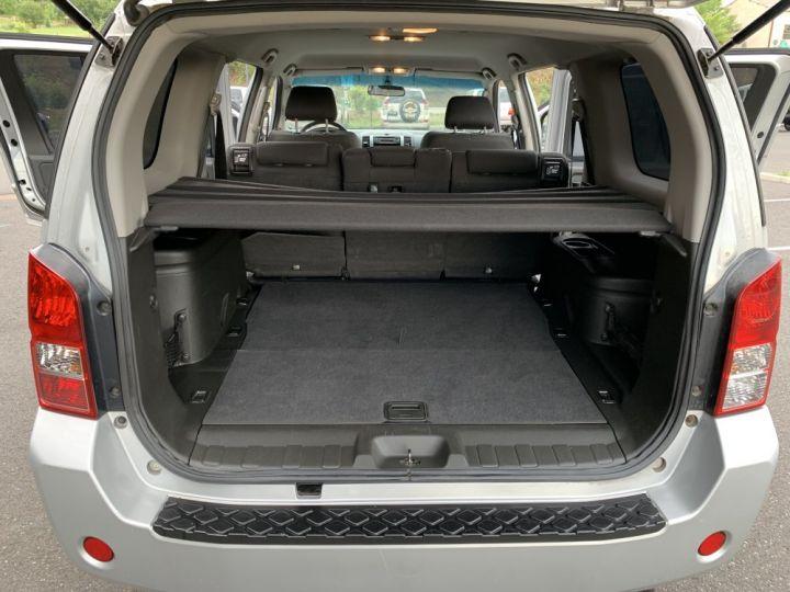 Nissan PATHFINDER 2.5 L DCI 174 CV Confort Gris clair - 12