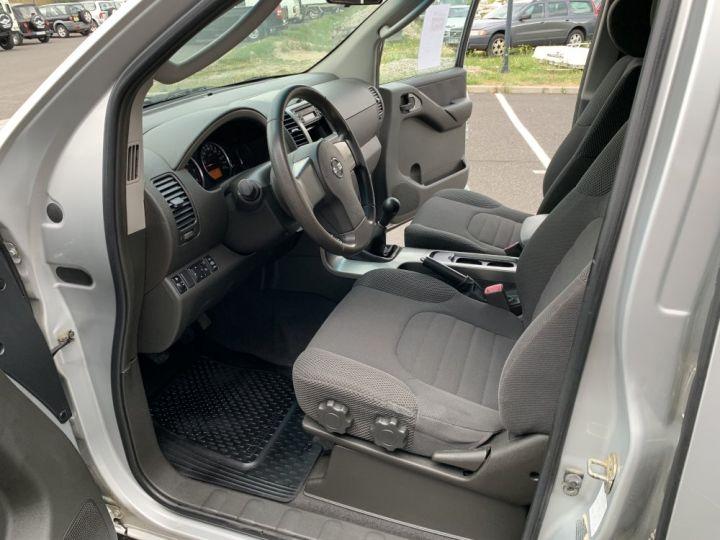 Nissan PATHFINDER 2.5 L DCI 174 CV Confort Gris clair - 14