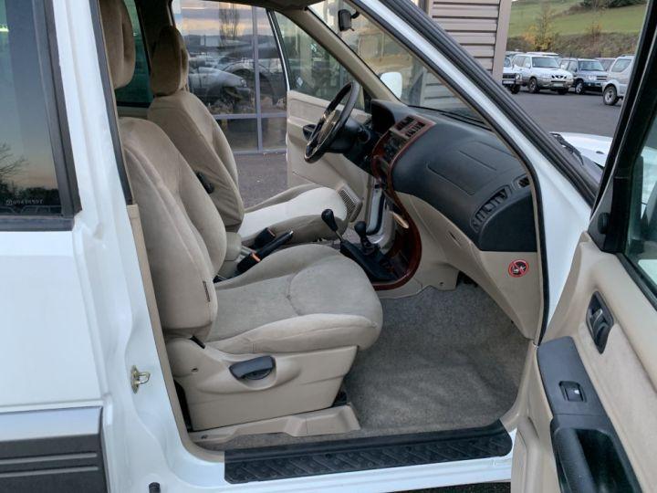 Nissan TERRANO 2.7 L TDI 125 CV Confort Blanc + gris - 6