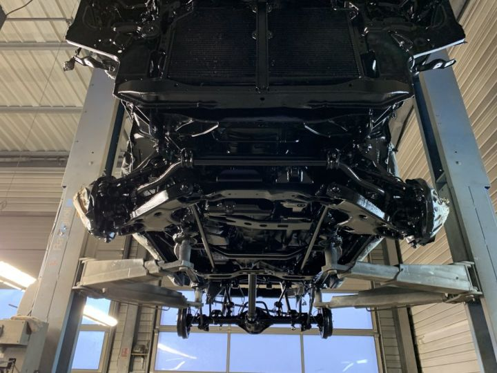 Nissan TERRANO 2.7 L TDI 125 CV Confort Blanc + gris - 17