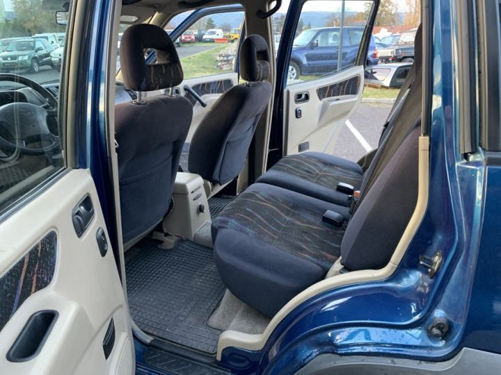 Nissan TERRANO 2.7 L TDI 125 CV Long Sport Bleu - 6