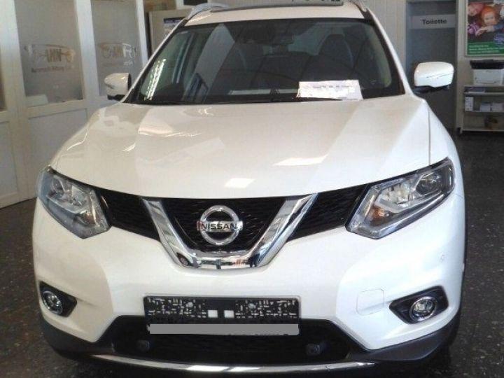 Nissan X-TRAIL 1.6 dCi 130 Xtronic Tekna (03/2017) blanc métal - 3