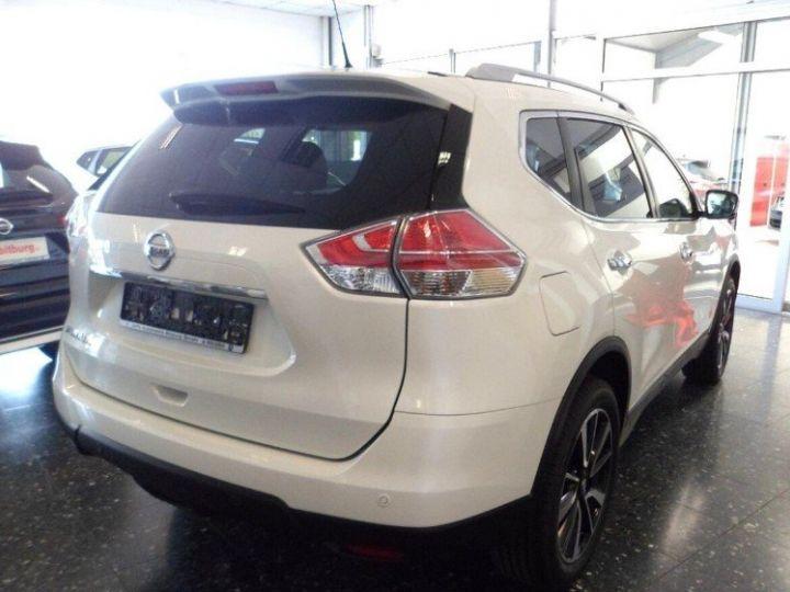 Nissan X-TRAIL 1.6 dCi 130 Xtronic Tekna (03/2017) blanc métal - 4