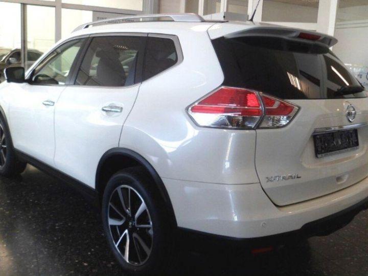 Nissan X-TRAIL 1.6 dCi 130 Xtronic Tekna (03/2017) blanc métal - 5