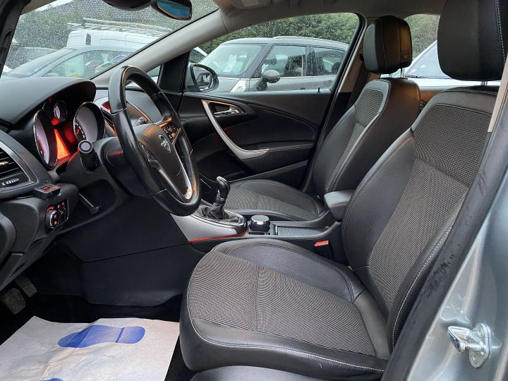 Opel Astra 1.7 CDTI110 FAP ENJOY Gris - 8