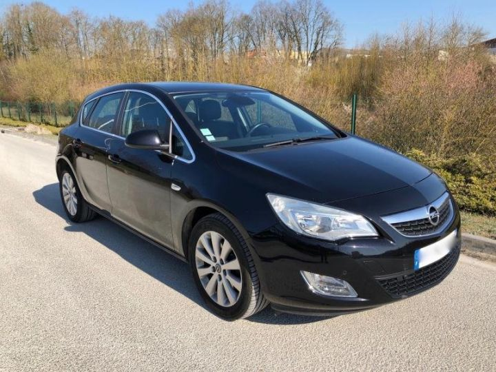 Opel Astra 4 IV 20 CDTI 160 COSMO BVA Noir Occasion - 1