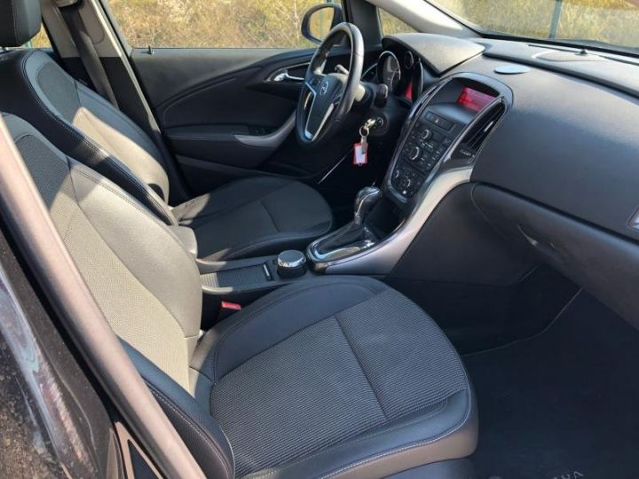 Opel Astra 4 IV 20 CDTI 160 COSMO BVA Noir Occasion - 13